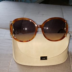 SEXY CHLOE SUNGLASSES. NEW.